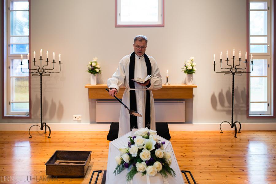 valokuvaaja liminka hautajaiset 3.jpg