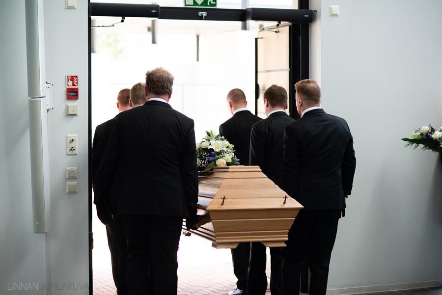 valokuvaaja kajaani hautajaiset-14.jpg