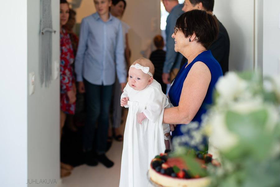ristiäiskuvaus-valokuvaaja-oulu-10.jpg