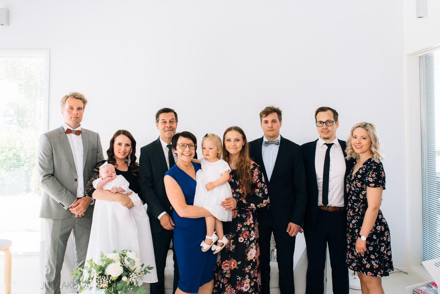 ristiäiskuvaus-valokuvaaja-oulu-11.jpg