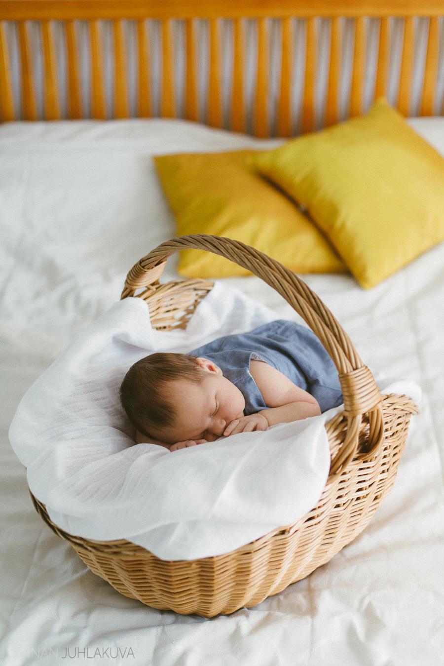 newborn-vauvakuvaus-1.jpg