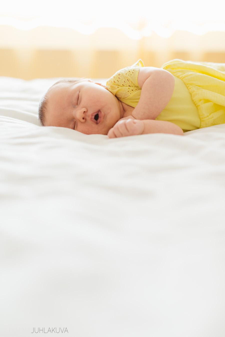 newborn-vauvakuvaus-4.jpg