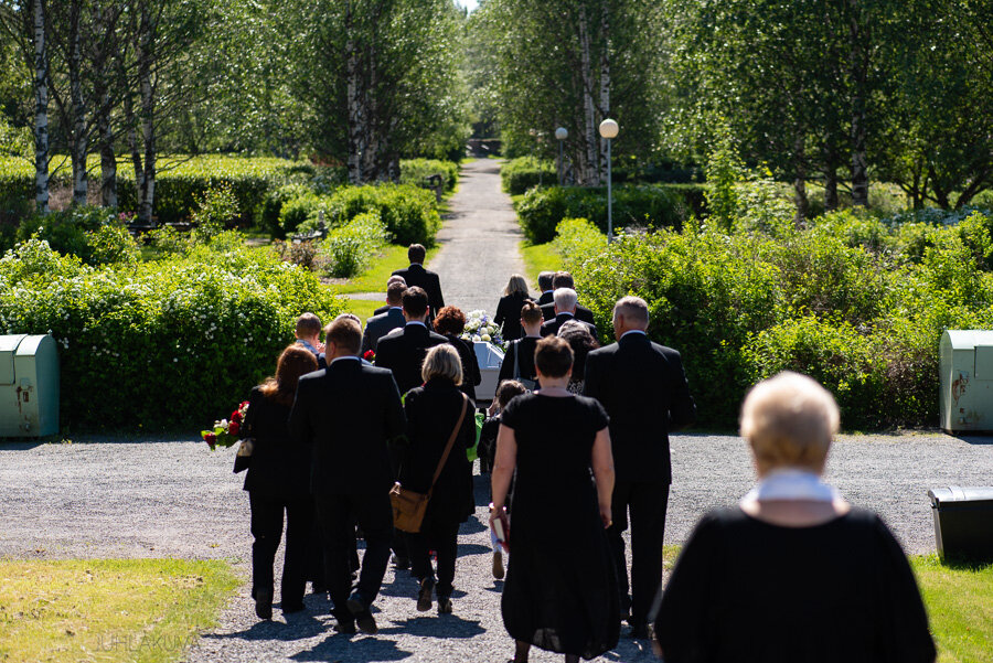hautajaiset-intiö-maikkulankartano-9.jpg