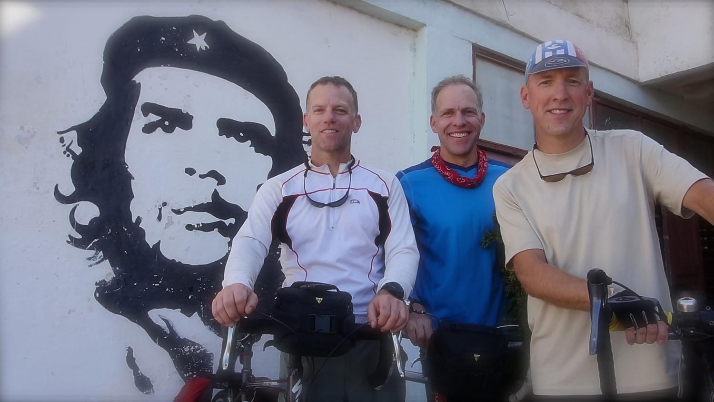 bike-tour-cuba-che-group.jpg