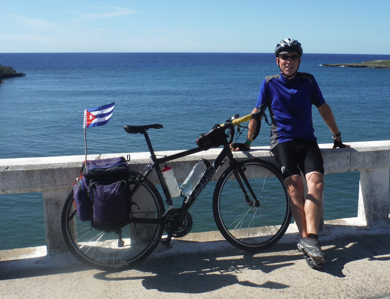 Why-cuba-rob-bike-flag.jpg