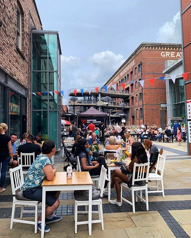 Come down to @GNWManchester this weekend to enjoy the Bank Holiday weekend and #Pride 🏳️🌈 ⠀ .⠀ .⠀ .⠀ #greatnorthern #greatnorthernwarehouse #manchestercitycentre #bunting #summer #manchester #summer #thingstodoinmanchester #manchestertourism #lunchtimephotography #blueskies #ilovemcr #deansgate #visitmanchester #greatnorthernwarehouse #warehouse #oldmeetsnew #manchesterstreets #greatnorthern #summerholiday #sundayfunday #summersun #photosofbritain #manchesterlife #capturethesestreets #streetlife #streetphotography #documentaryphotography #capturethemoment