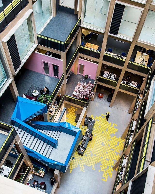 Bird's eye view 🐦⠀ .⠀ .⠀ .⠀ #atrium #timber #timberstructure #birdseyeview #birdseye #coworkingspace #eastlondon #office #london #officespace #eastlondon #polar #work #architecture #bestoffice #workspace #instawork #coworking #viewfromabove #towerhamlets #eastlondonoffice #workspace #londonoffice #interiordesign #community #creativeplaces #creativespaces #republicldn