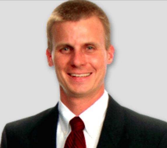 Mark Spain (Agente Asociado con un Equipo de 55 asistentes)