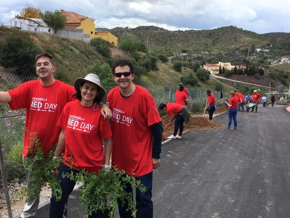 Parte del equipo KW Marbella, el pasado 12 de Mayo, en RED DAY, el día especial para todos los asociados de KW en el mundo, el día que donamos nuestras horas de trabajo para ayudar a las comunidades donde vivimos.