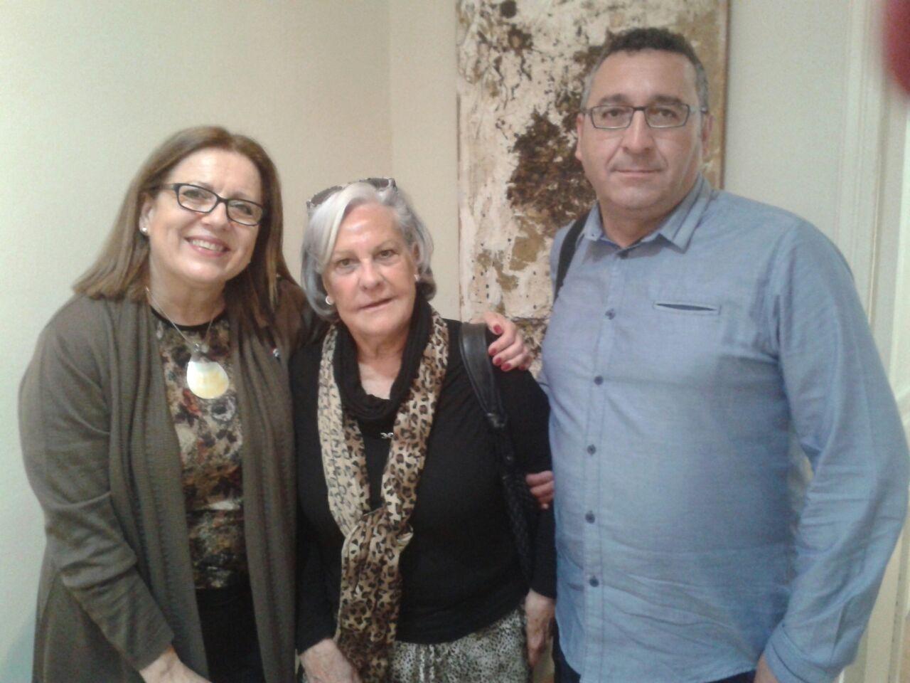 Año 2015. Ascensión de Aynat junto a Mª Ángeles Carretero (donante) y Javier González, Director Territorial Aldeas Infantiles Andalucía.