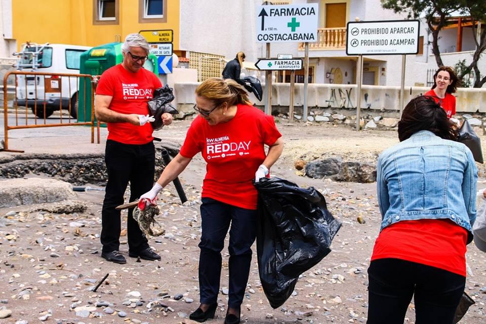 Ascensión de Aynat el pasado 12 de Mayo de 2016, realizando una acción social en su comunidad en el día RED DAY.