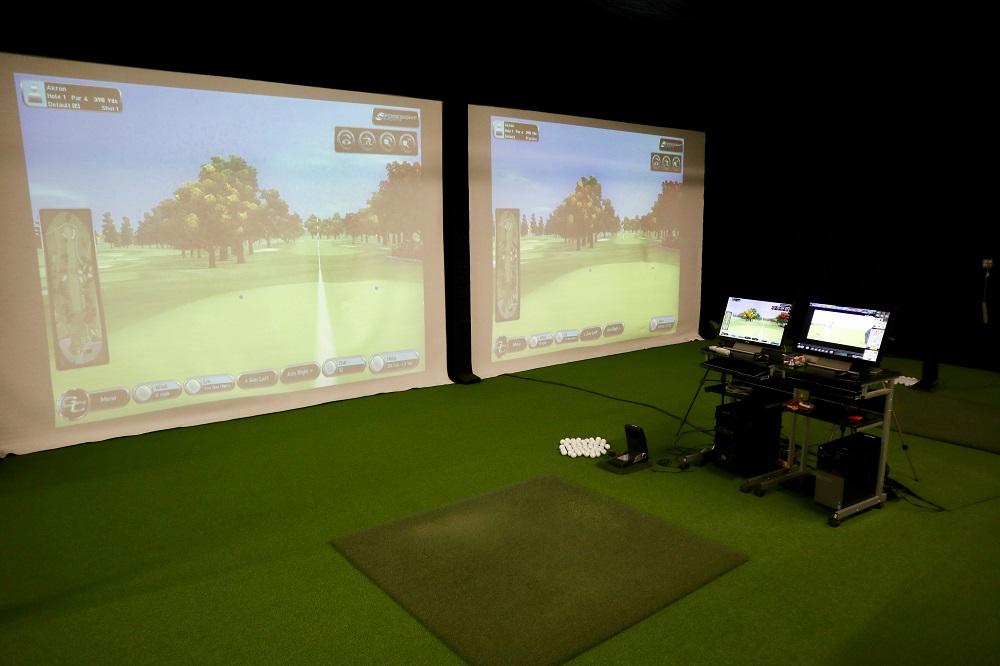 四个击球打位上,每一个都配备了美国品牌Foresight Sports GC2击球监测器,可精确测量杆头和击球表现的各个方面。