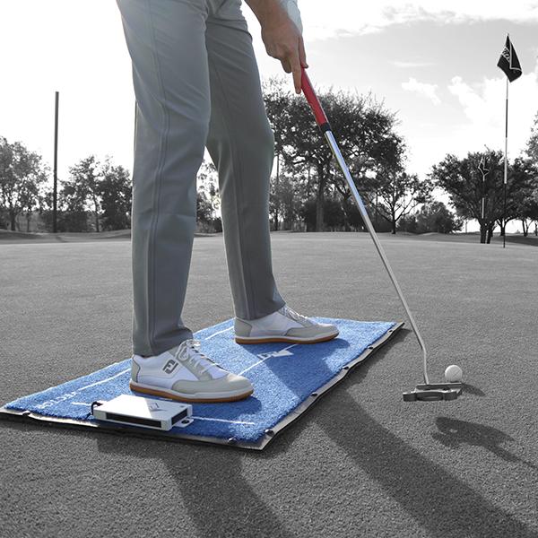我们还将平衡压力垫作为衡量我们学员的关键性能指标。通过跟踪学员的体重位置和使用的地面力量,学生可以学习如何更准确,更远距离击球。