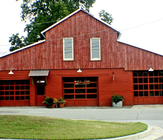 The Court Street Livery    www.courtstreetlivery.com   (404) 219-9938  The Court Street Livery is a restored barn in downtown Washington, Georgia, perfect for weddings, parties, meetings, performances, and just about any event you can imagine. The big red barn has many details from the past including a soaring heart pine ceiling, brick walls, antique hardware and large garage doors.