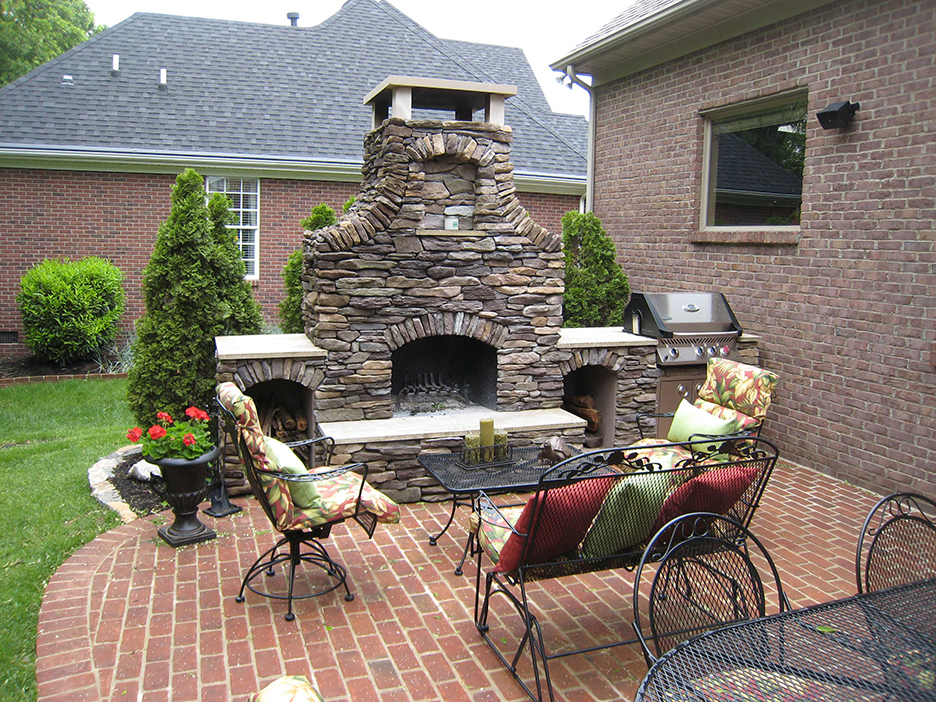 Outdoor Brick Fireplace & Custom Outdoor Fireplace