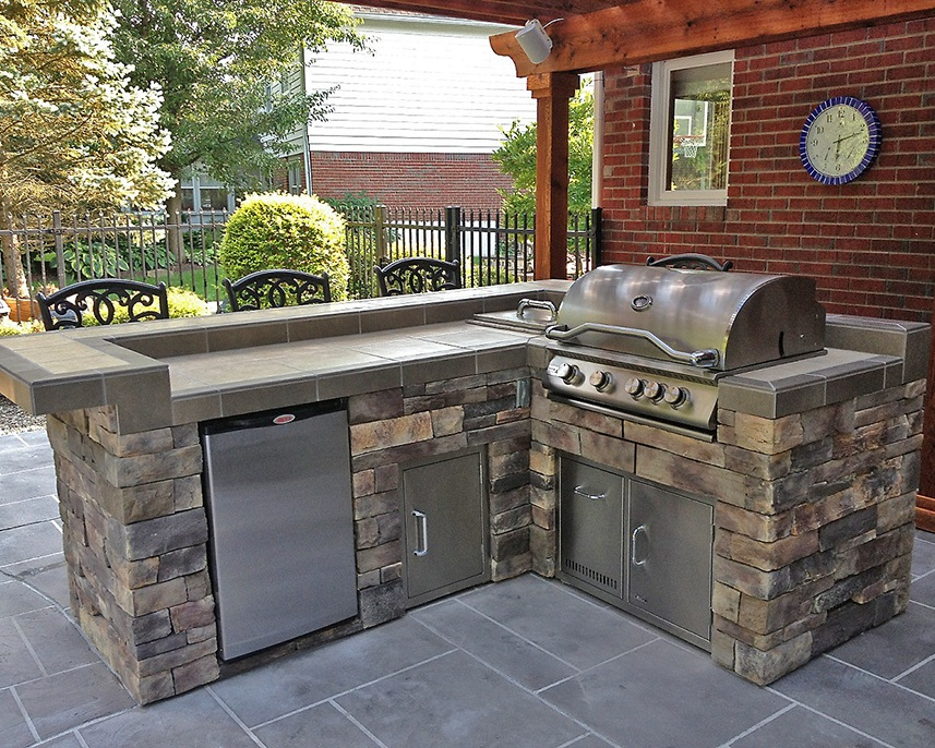 Outdoor Kitchens - Add a custom look and feel to your outdoor space - perfect for entertaining guests