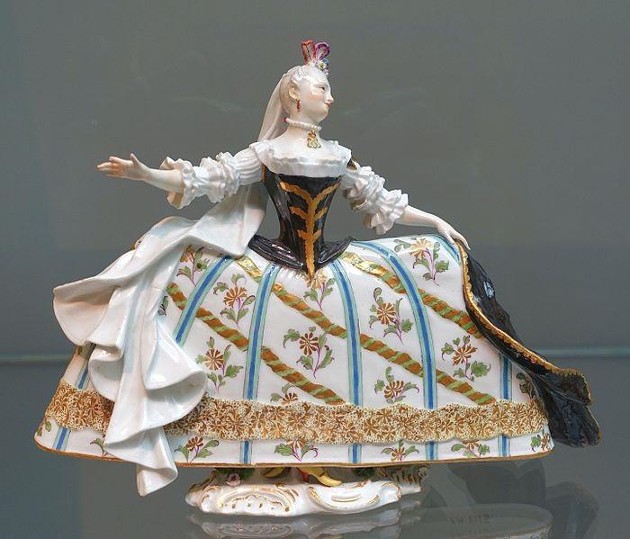 Pair_of_operatic_figures,_1_of_2,_Johann_Joachim_Kaendler,_Meissen_Porcelain_Factory,_c._1759-1760,_hard-paste_porcelain_-_Wadsworth_Atheneum_-_Hartford,_CT_-_DSC05305.jpg