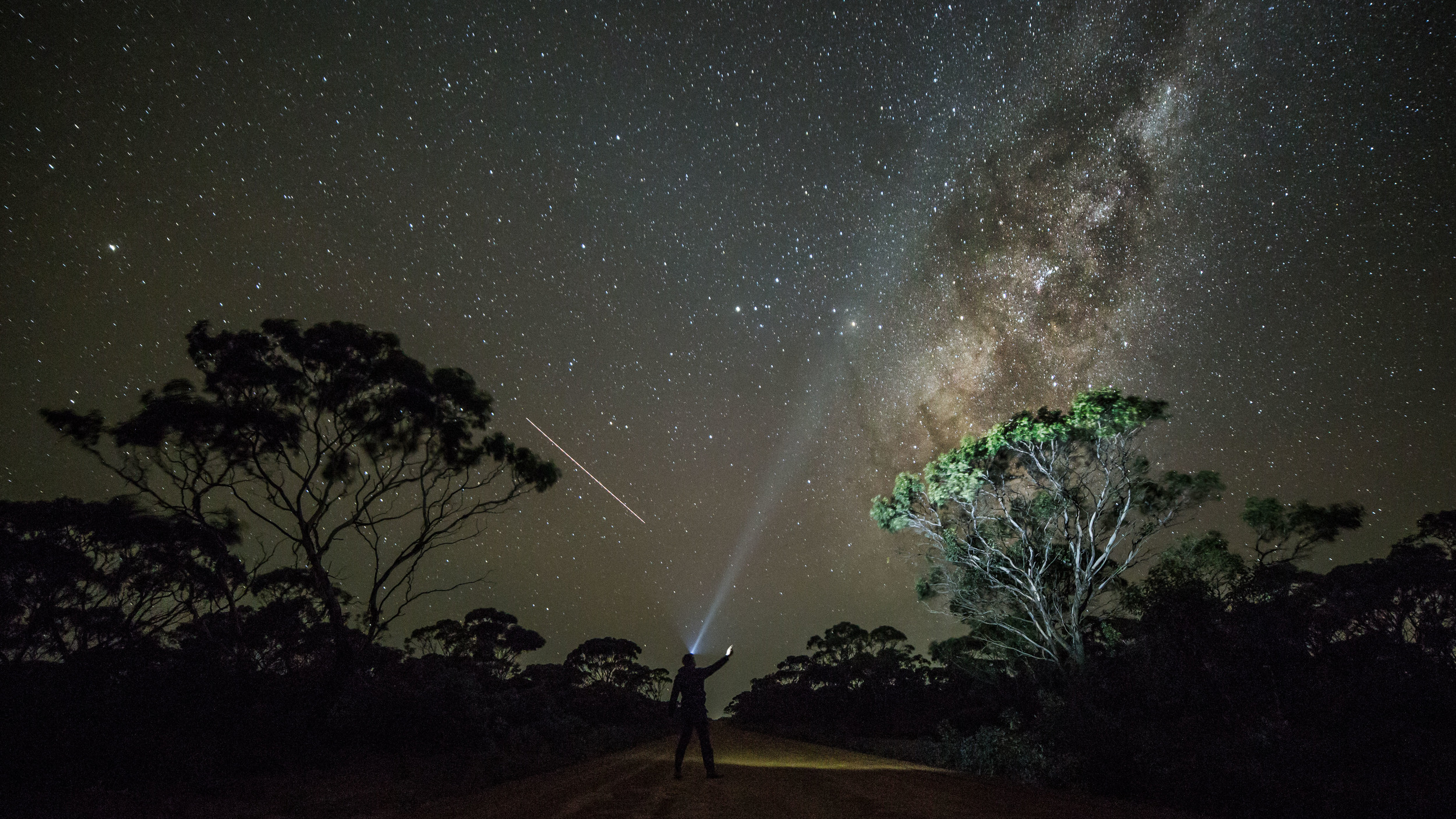 outback roads thisworldexists this world exists night stars photography tom jessett tips