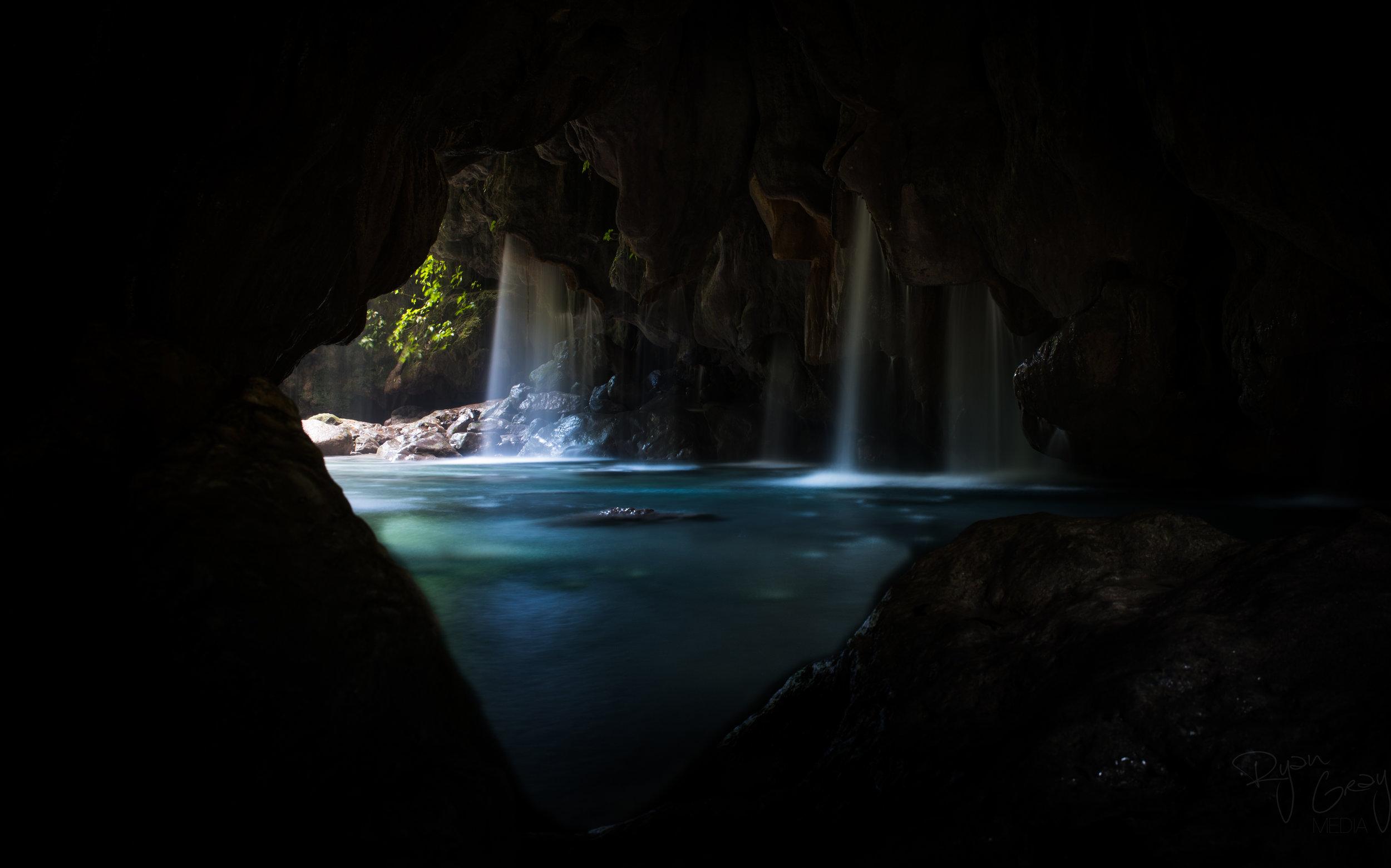 Mexico Puente de dios queretero sierra gorda THISWORLDEXISTS adventure travel Ryan Gray Media