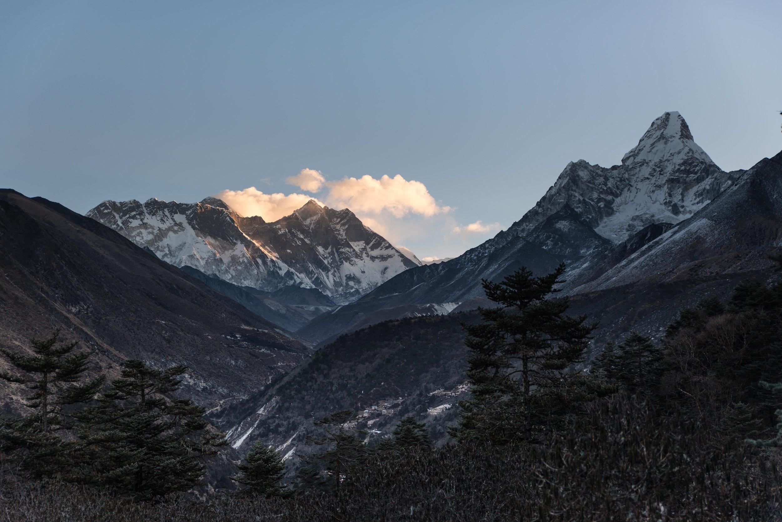 THISWORLDEXISTS Hiking the Himalaya Everest Trekking