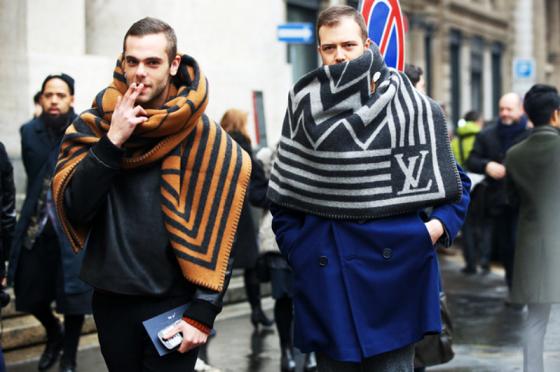 louis-vuitton-blanket-scarf-milan-fashion-week-menswear-street-style-2013-560x372.png