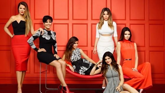 Keeping-Up-with-the-Kardashians-2014-Season-9-Wallpaper-560x315.jpg