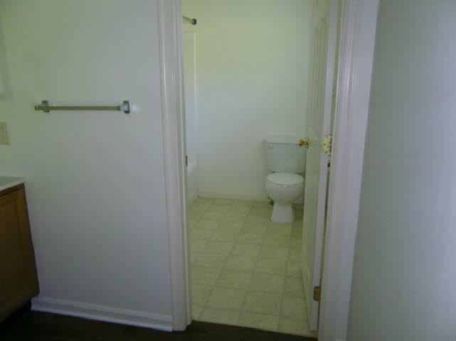 db_Bathroom_11.jpg