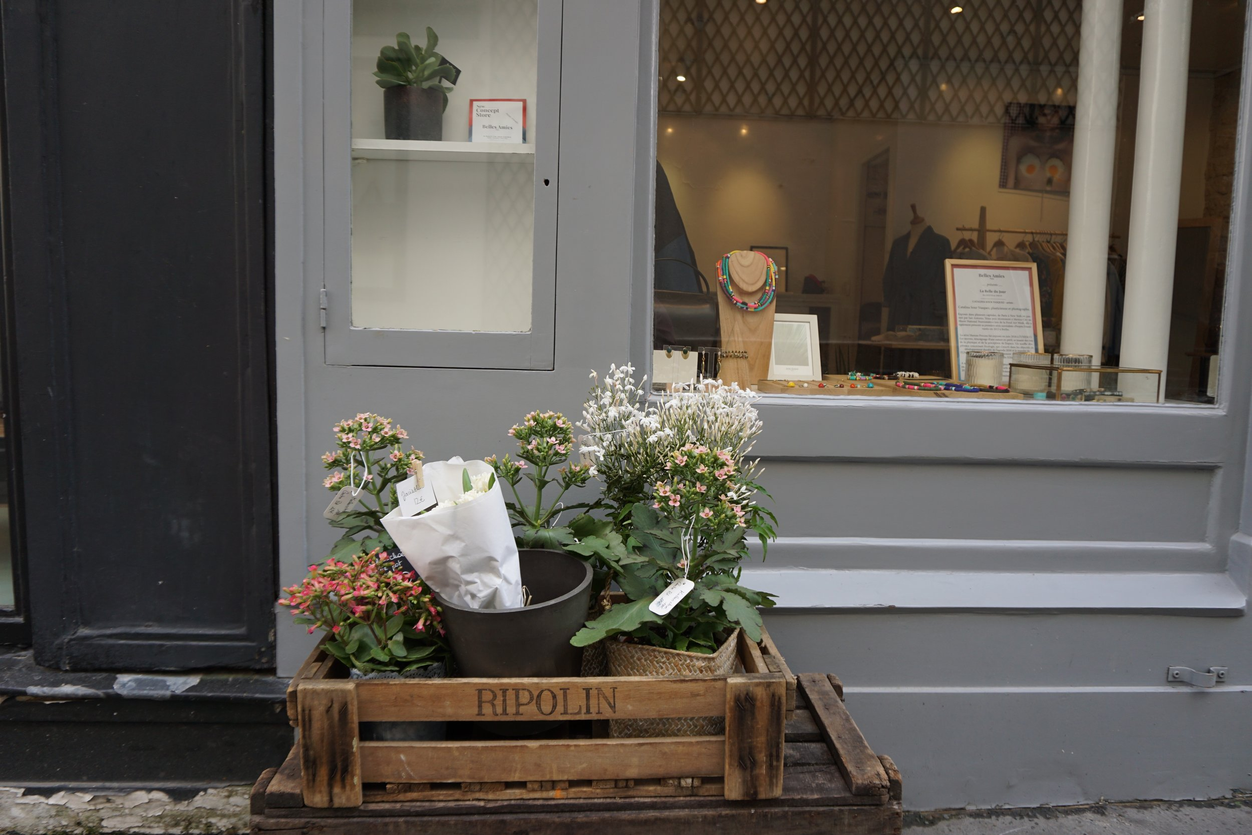 Flowers by  Atelier Blossom .