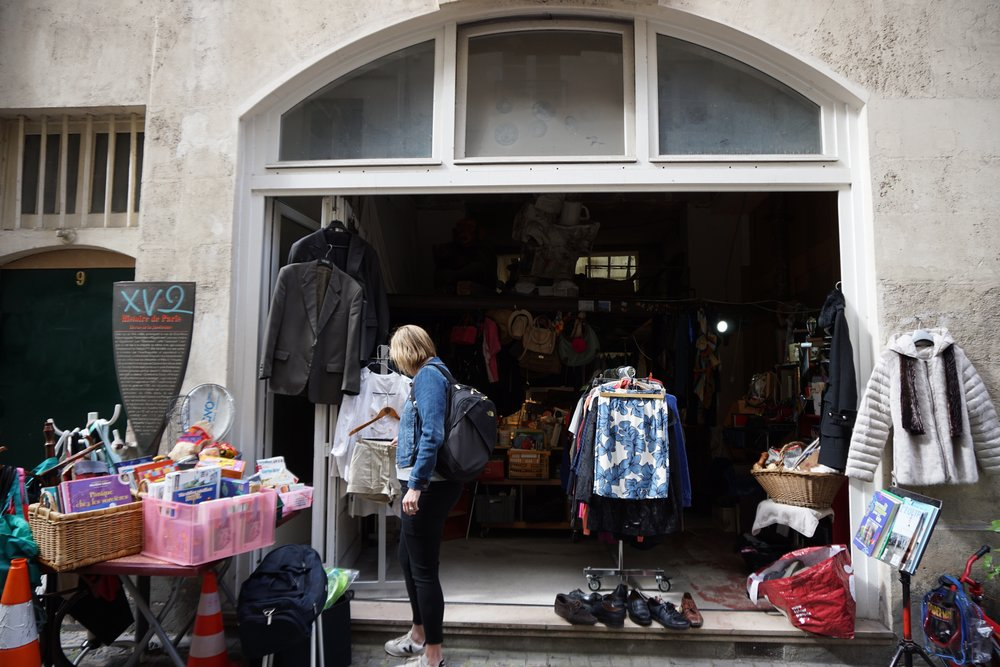 This is what the outside of many resale shops look like in Paris. A lot of the flea markets and Parisian style yard sales have a similar look and feel. You can find the best stuff if you're willing to hunt!