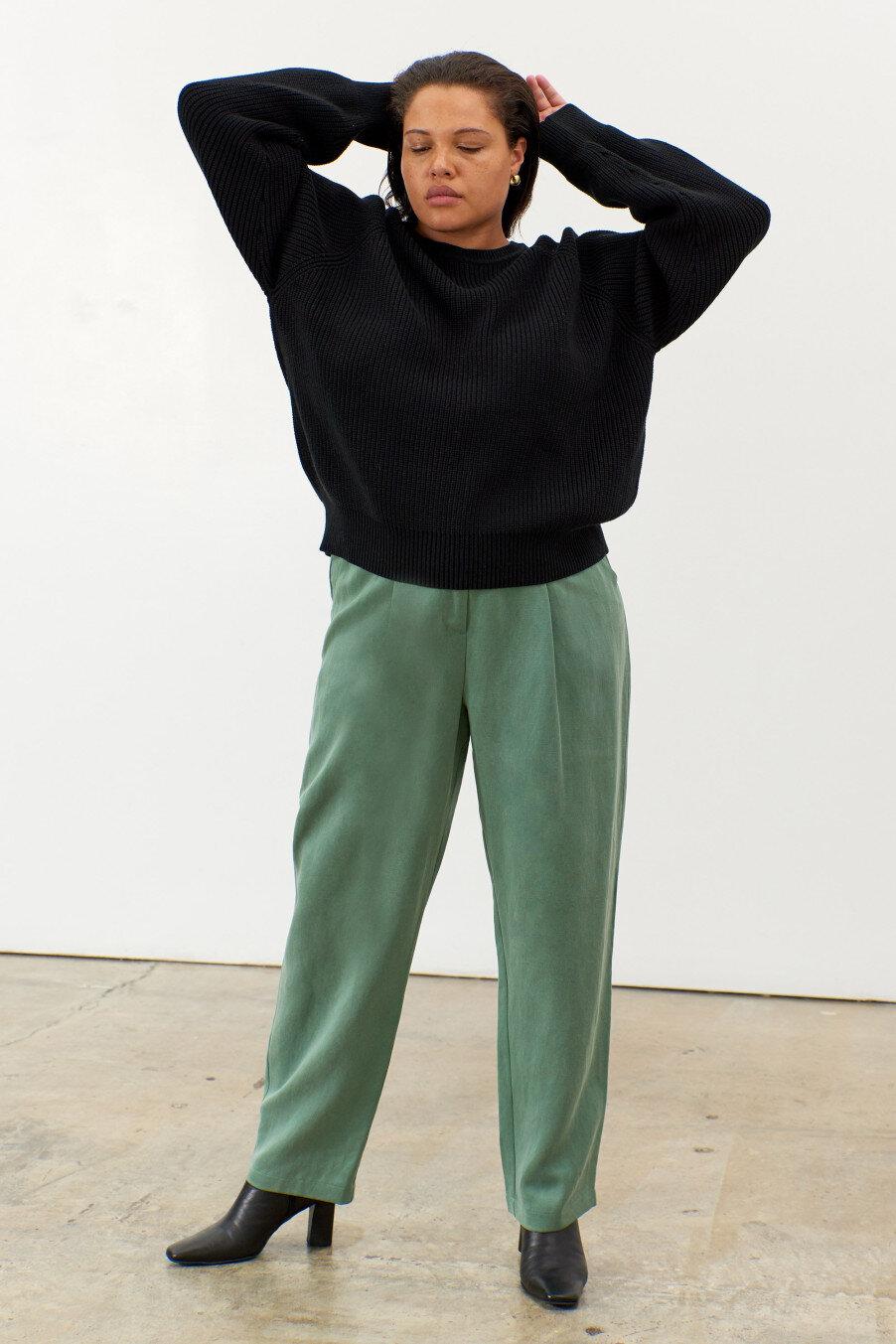 avery-pullover-sweater-black-knit-1_1.jpg