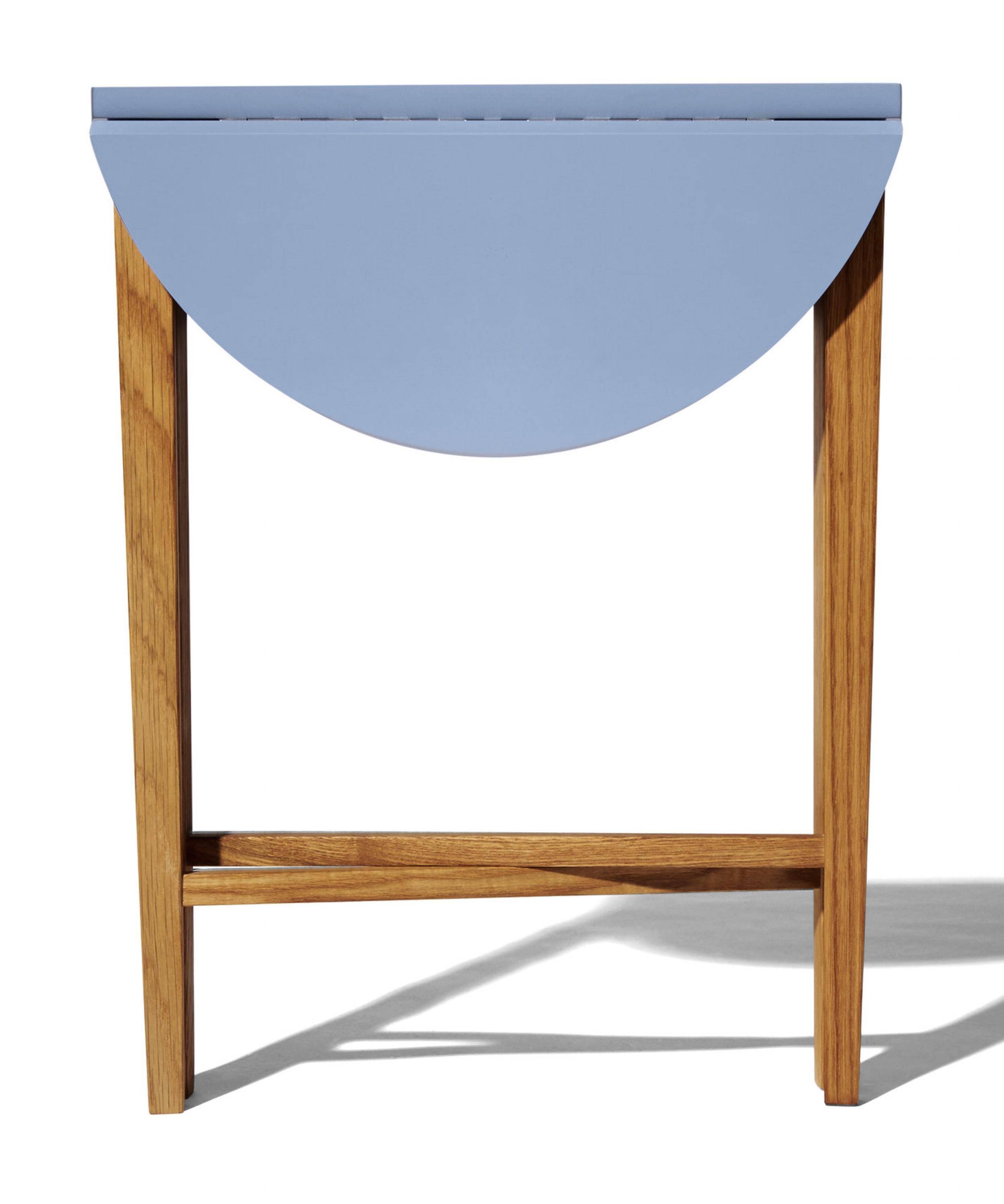 Modernico_blue_table_2.jpg