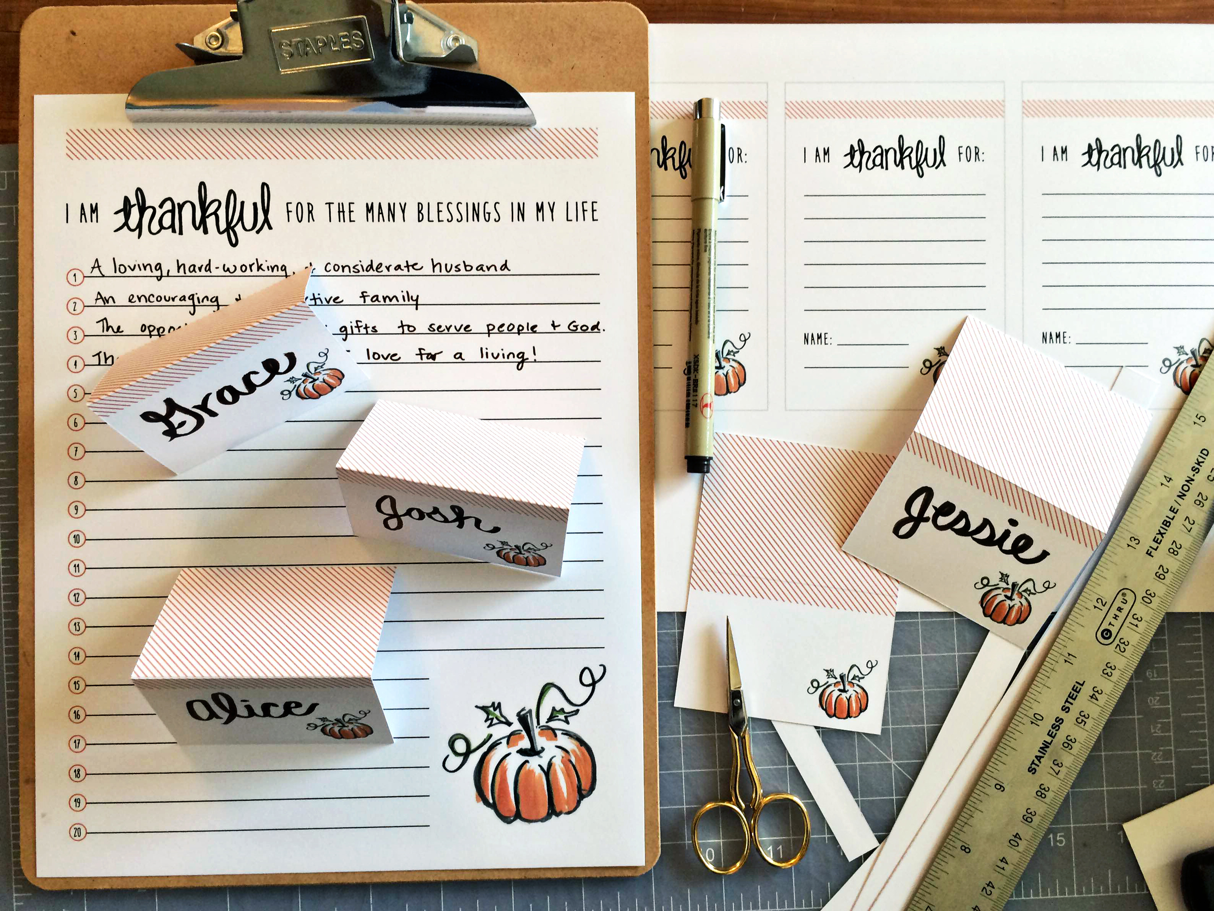 Thanksgiving Namecards and Paper goods