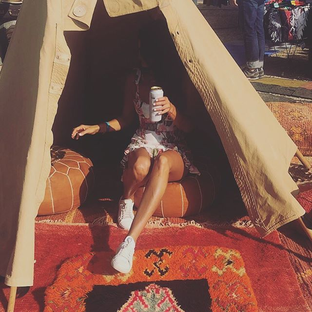Making myself right at home ⛺️#malibu #teepee #dontwantsummertoend #labellevie