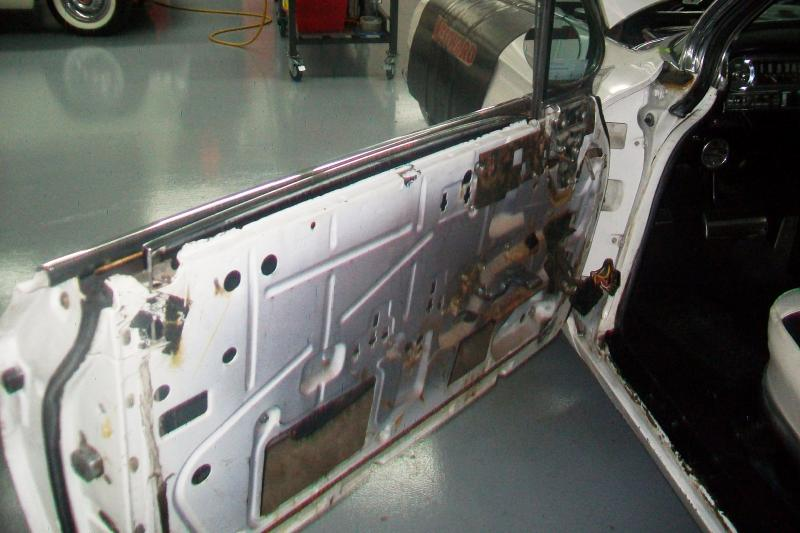 LF door apart. Both doors were sagging pretty bad, and the hinges had to be repinned.