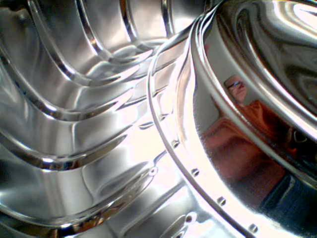 A closer look at the ribbed and dished area as well as the hub itslef. I couldn't believe how shiny they are, they were so dull looking before, now I could see my reflection.