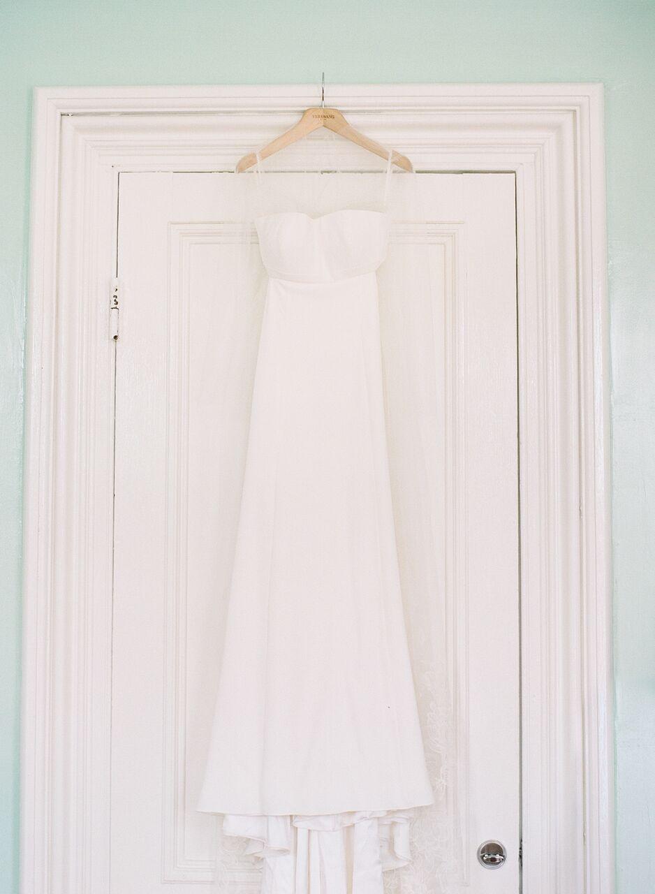 Blairs stunning wedding dress is  Vera Wang via  Alexia's  .