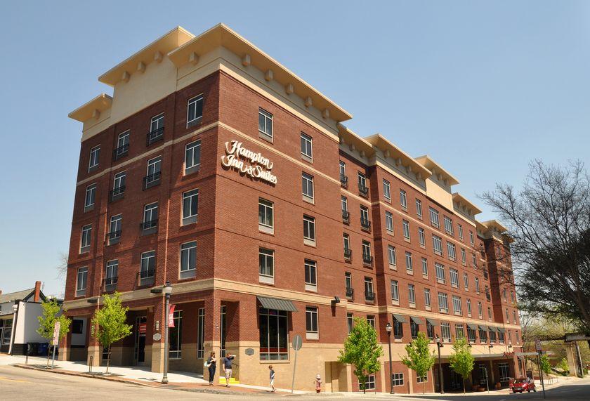 hampton inn and suites.png