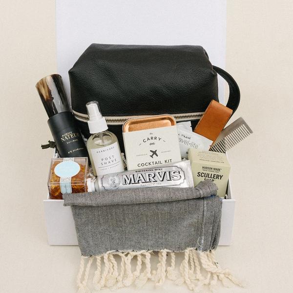 a-signature-welcome-charleston-sc-well-groomed-gift-box_0f0cbe4e-b1c6-469b-b8da-61efa8ac5512_600x.jpg