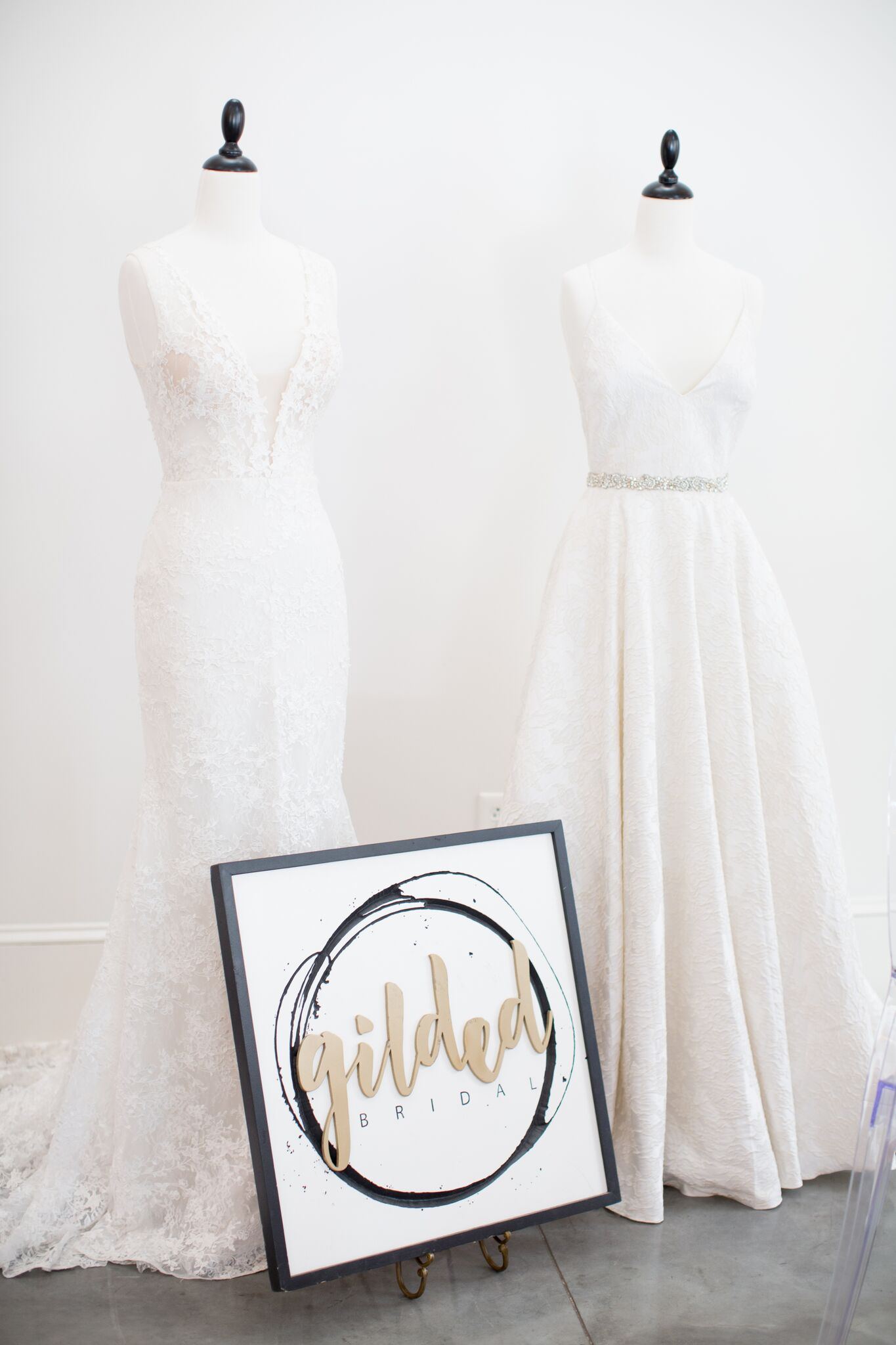 EVENTS BY   LA FETE    KATHERINE MILES JONES PHOTOGRAPHY    GILDED   BRIDAL    PARTY REFLECTIONS
