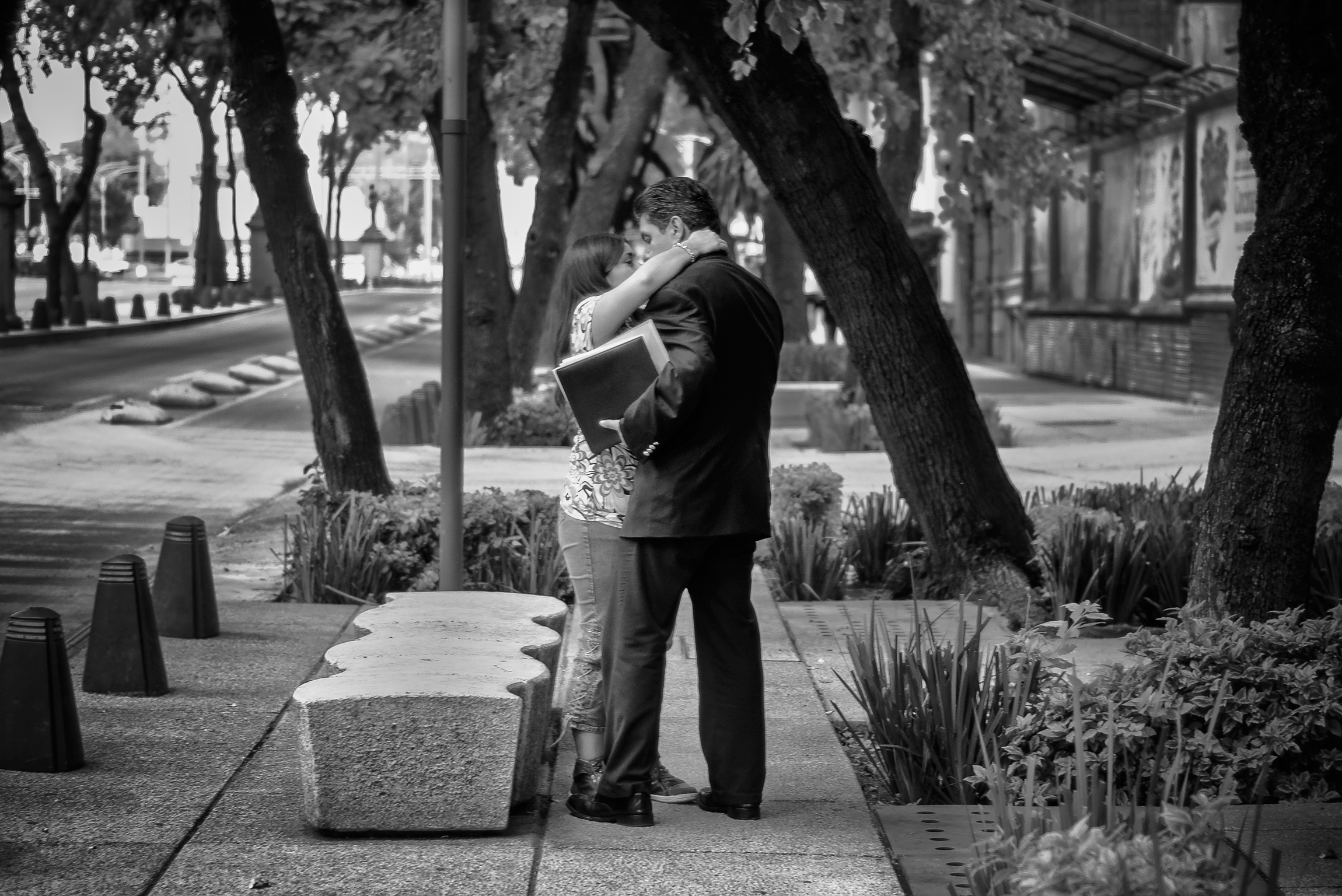 Kissing on Av. Reforma