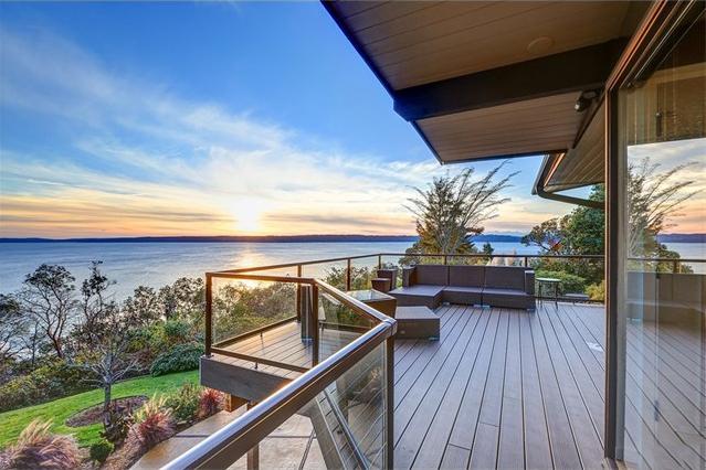 Burien, Washington //  SOLD $1,300,000