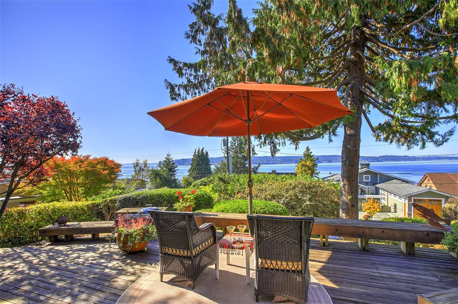 University Place, Washington //  SOLD at $870,000