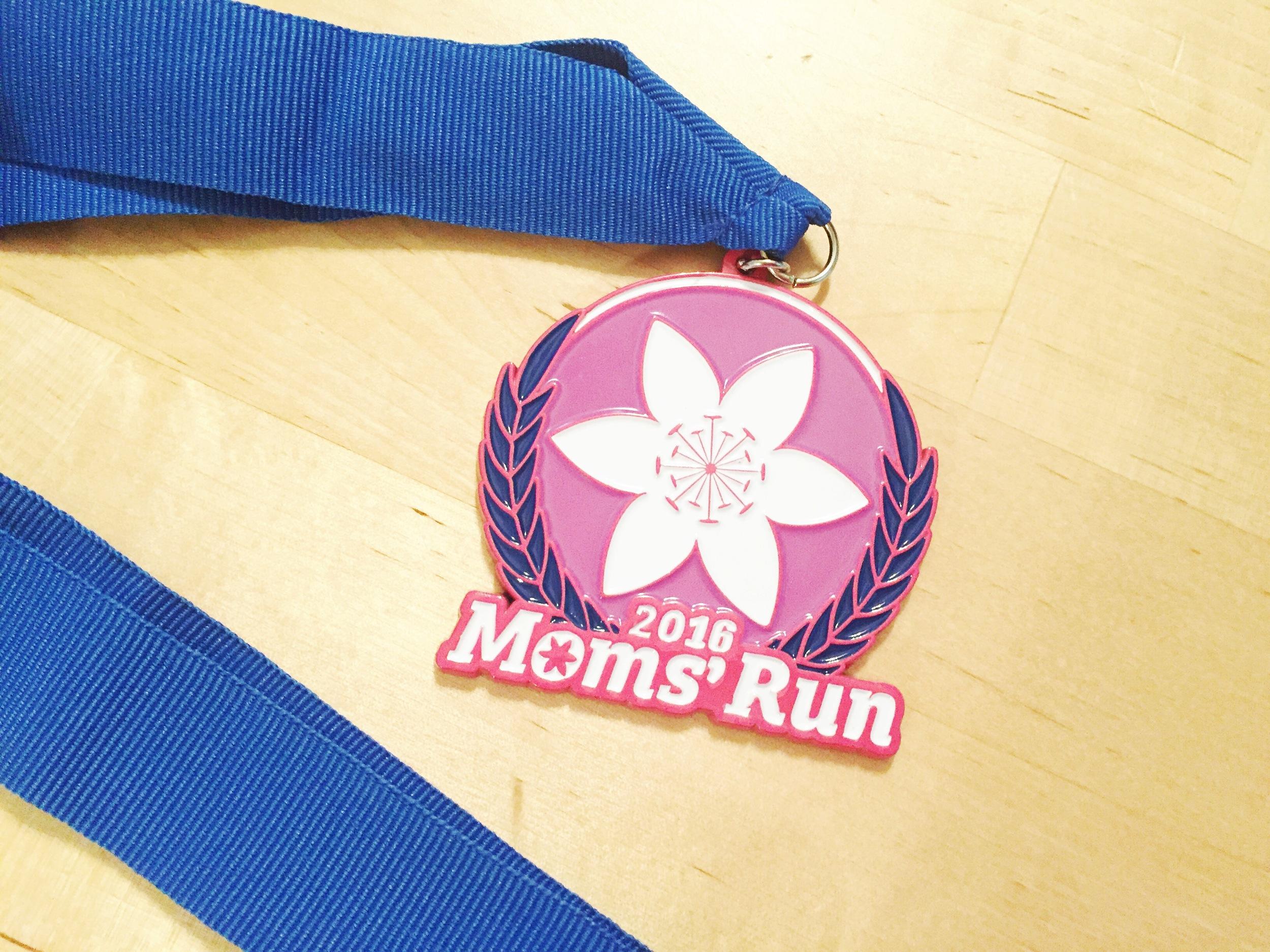 moms-run-medal