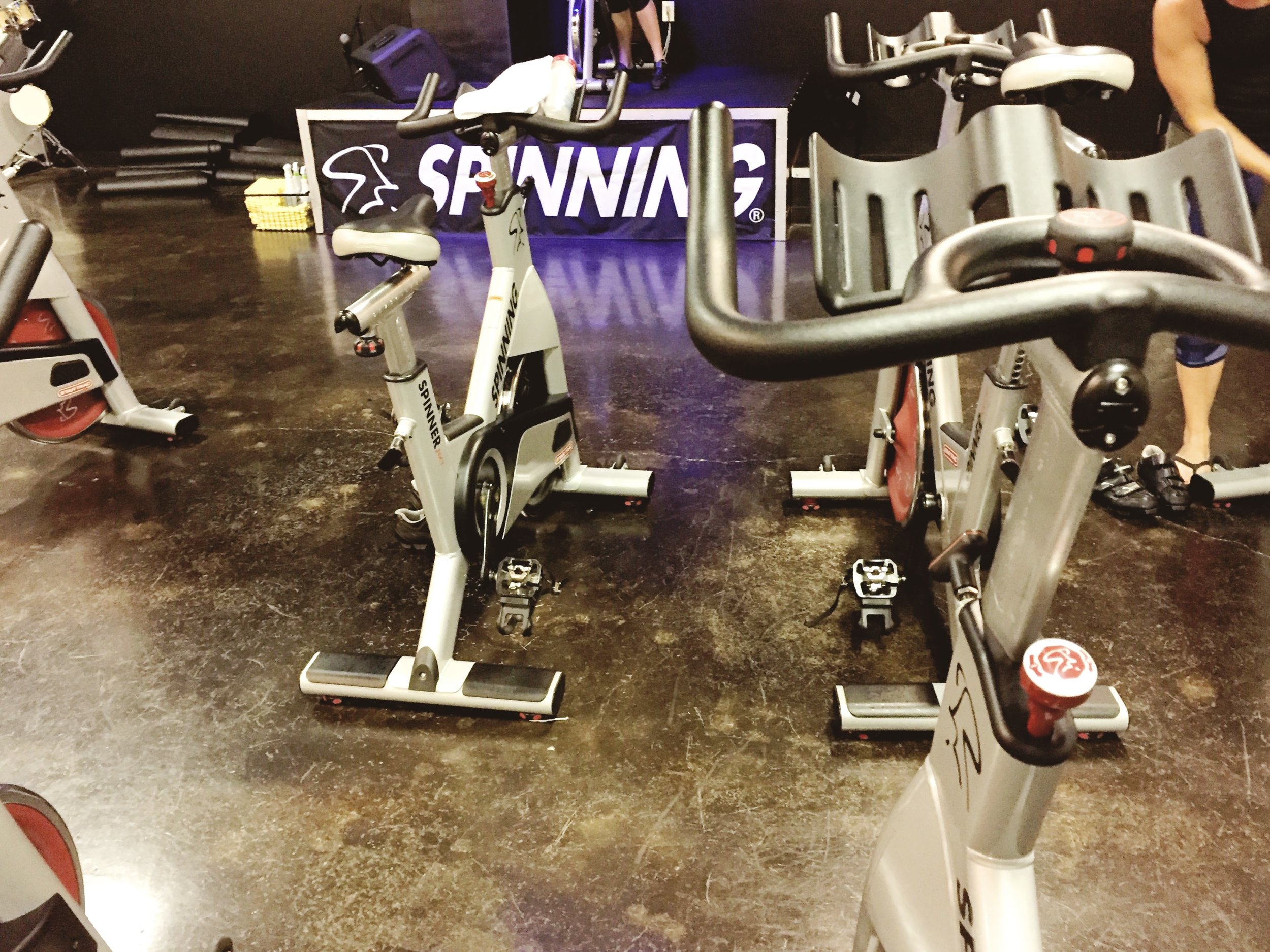 Hello, pretty cool spinning studio