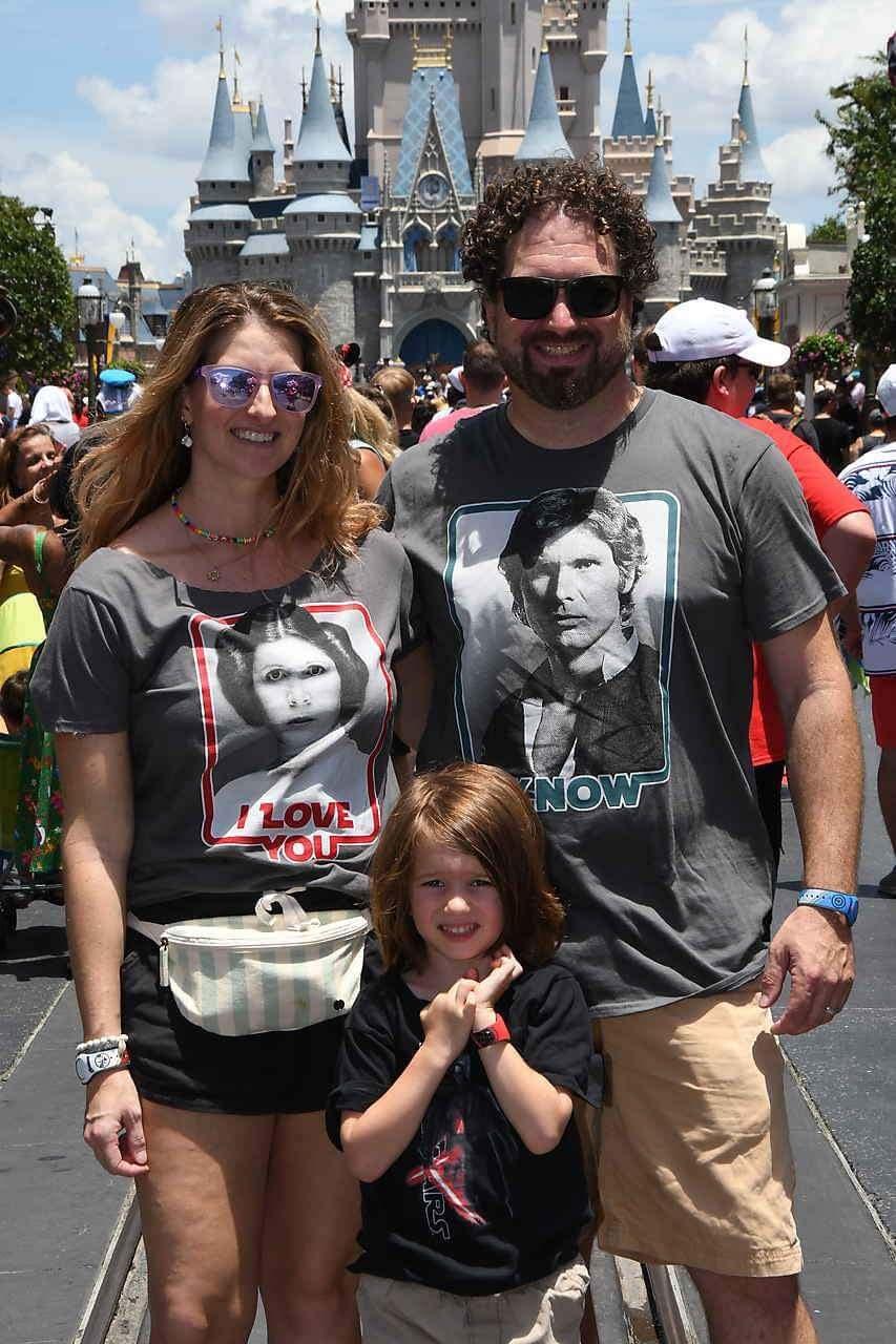 Family photos on Main Street Magic Kindgom