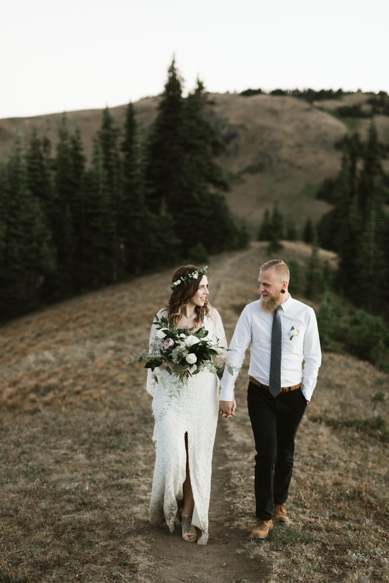 Jesse-Kasie-Hurricane-Ridge-Wedding-19.jpg