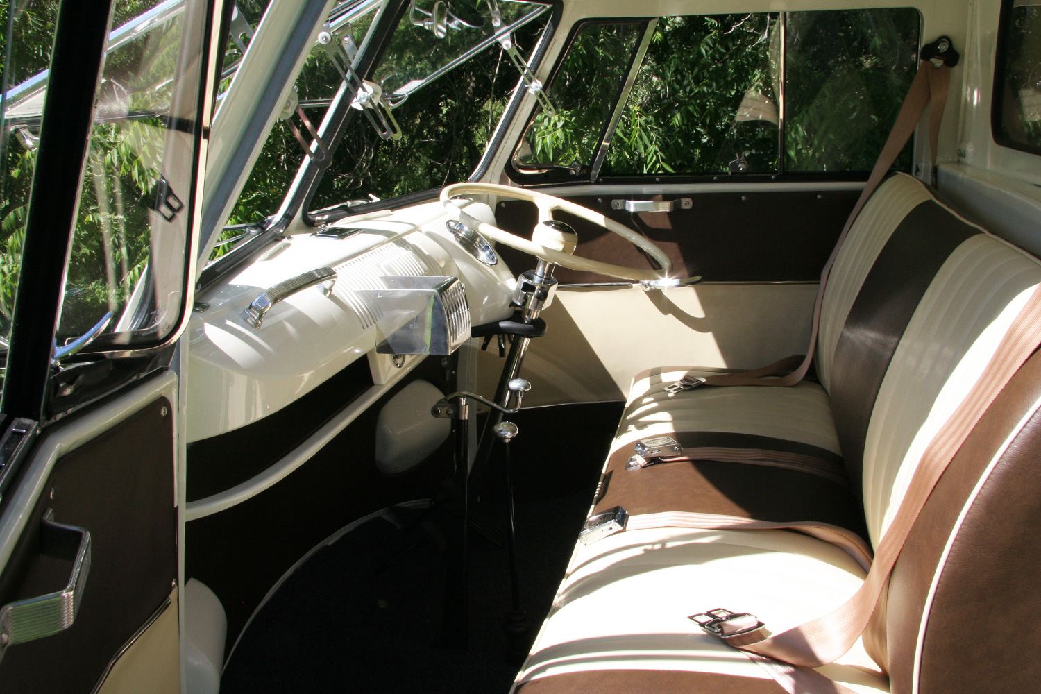 The Winedub's plush interior, 1958 style.