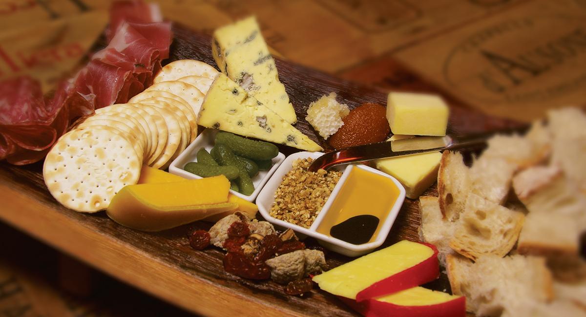Deluxe Cheese Board.jpg