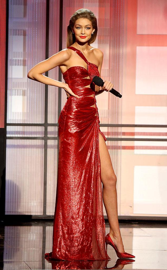 rs_634x1024-161120191953-634.Gigi-Hadid-2016-American-Music-Awards-Red-Dress-2.kg.112016.jpg