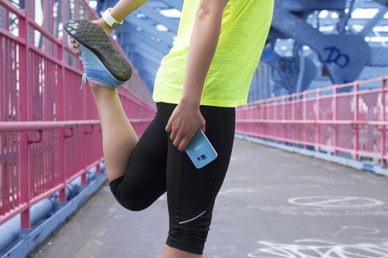 S6-Blue_FB_Fitness-LegStretch_V1.jpg